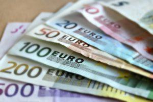 Bank-noten-geld